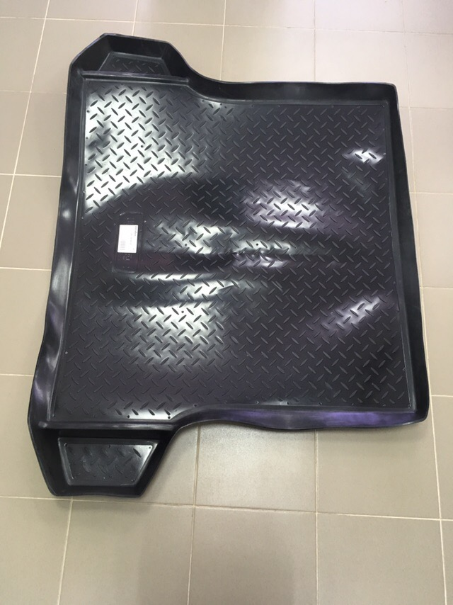 Коврик багажника Logan F1 F2 с карманами (шт)